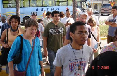 Pastores por la Paz visitan El Pesebre